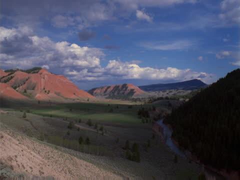 hills and valley - セージブラッシュ点の映像素材/bロール