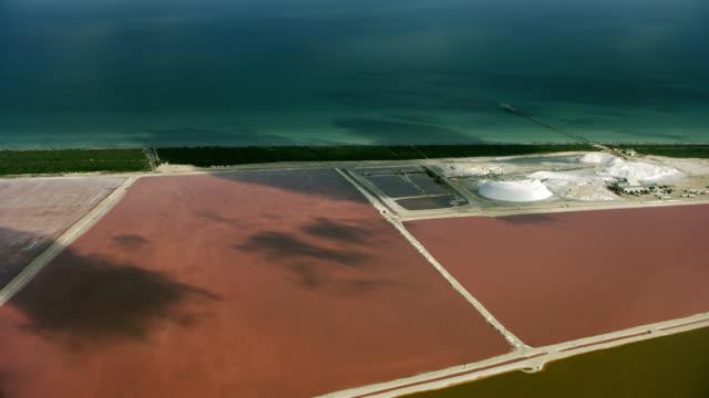 hills of salt and salt lagoons in mexico - 北半球点の映像素材/bロール