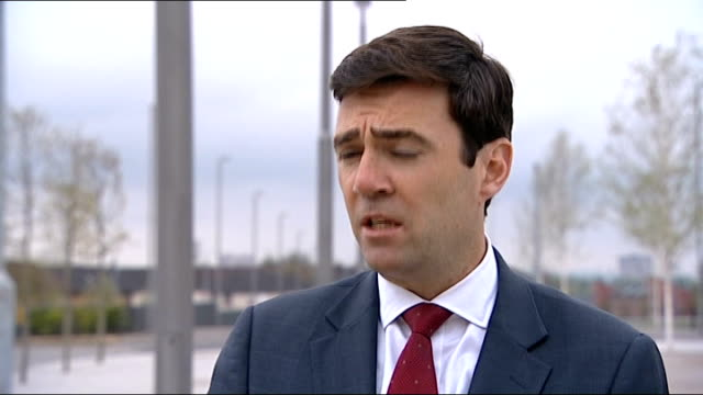 andy burnham interview on wikipedia remarks about victims scotland glasgow ext andy burnham mp interview sot on claims that government computers were... - 不公平点の映像素材/bロール