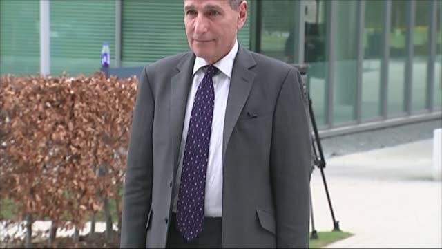 stockvideo's en b-roll-footage met hillsborough disaster inquest: coroner to accept a majority verdict over unlawful killing; cheshire: warrington: rt hon sir john goldring along to... - lijkschouwer