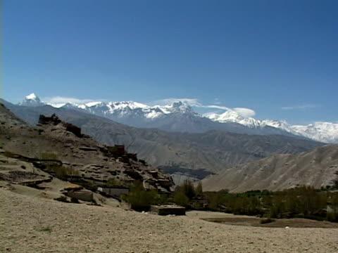 ws, himalaya mountains, mustang-himalaya, nepal - stationary process plate stock videos & royalty-free footage