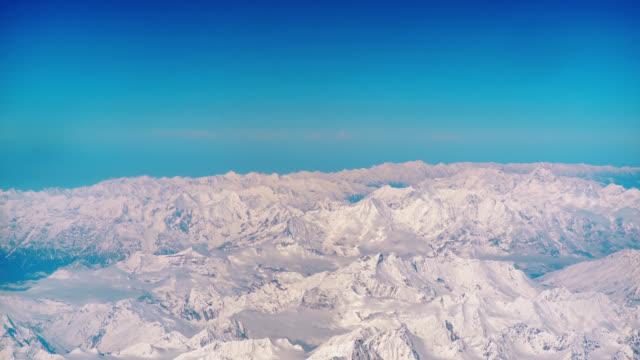 vídeos de stock, filmes e b-roll de montanha do himalaia em leh ladakh índia - himalaias