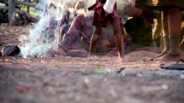 stockvideo's en b-roll-footage met la himba village - nageslacht