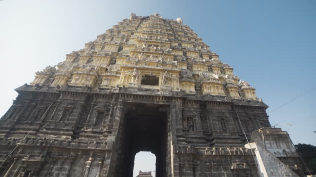 Hindu ancient temple Ekambareswarar steadicam shot