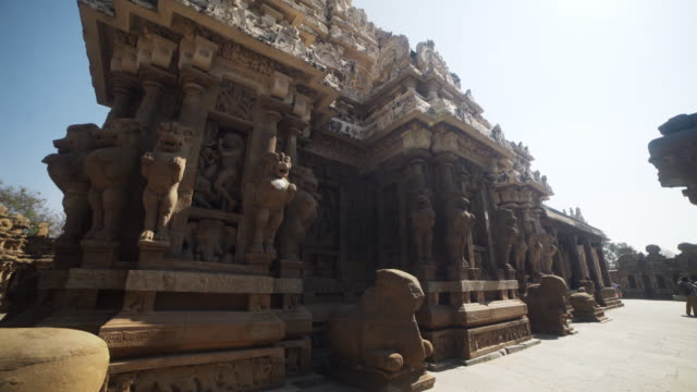 Hindu ancient temple Kailasanathar steadicam shot