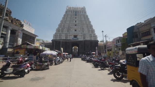 vídeos y material grabado en eventos de stock de hindu ancient temple varadaraja steadicam shot - templo