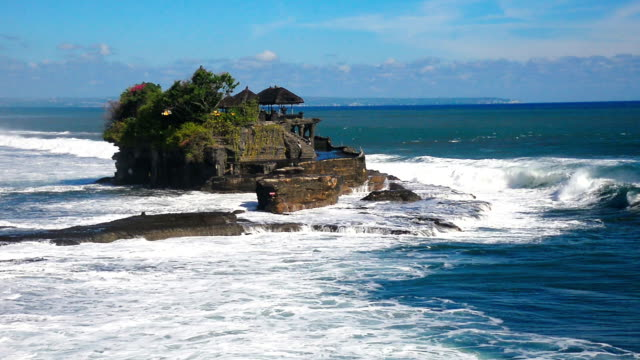 hd: hindu temple over the sea, tanah lot temple in bali, indonesia - pura ulu danau temple stock videos & royalty-free footage
