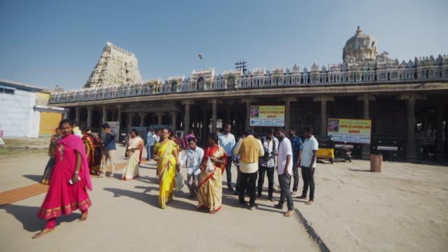 vídeos y material grabado en eventos de stock de hindu temple sri ekambaranathar indoors steadicam shot - etnia del subcontinente indio