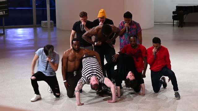 NY: New York's Guggenheim Museum hosts pop-up hip hop performance