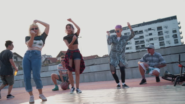 vídeos de stock e filmes b-roll de hip-hop is our lifestyle - cultura hip hop