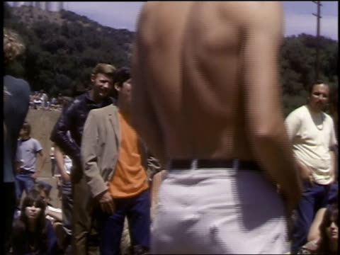 vídeos de stock e filmes b-roll de montage hippies meeting in tapia park for lovein / los angeles county california united states - love in