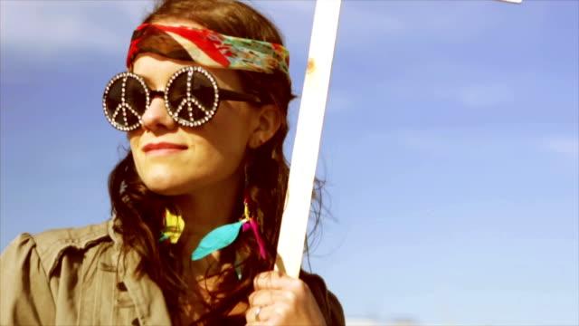 hippy banner id - segnale video stock e b–roll