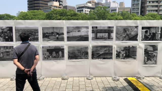 vídeos de stock e filmes b-roll de hiroshima victims memorial cenotaph ahead of the ceremony to mark the 75th anniversary of the hiroshima atomic bombing on august 6 2020 in hiroshima... - arma de destruição em massa