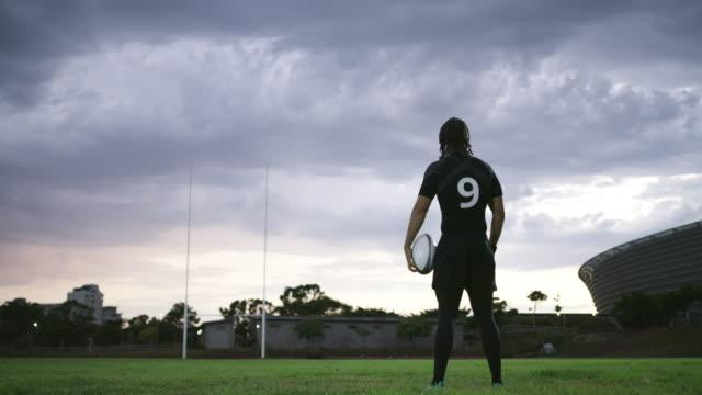 hans mål är att bli den största - rugby sport bildbanksvideor och videomaterial från bakom kulisserna