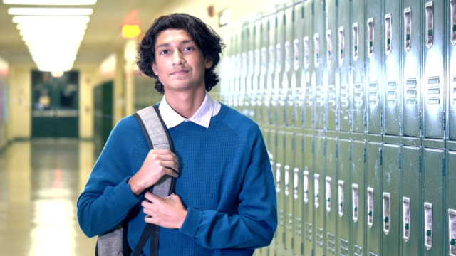 hispanic high school student in hallway - 16 17 years stock videos & royalty-free footage