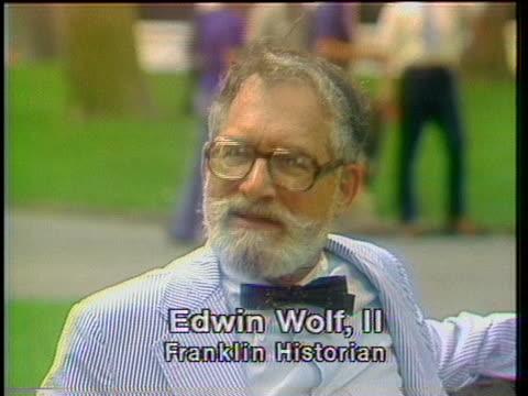 vídeos de stock e filmes b-roll de historian edwin wolf ii discusses the impact benjamin franklin has had on philadelphia and the nation - benjamin franklin