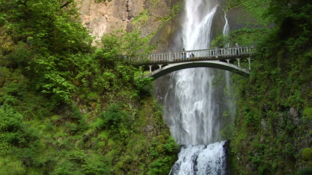 historic bridge and waterfall wide shot - columbia river gorge stock videos & royalty-free footage