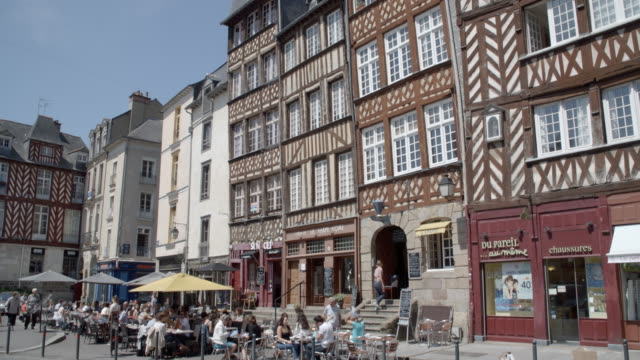 historic buildings in the old town / rennes, france - rennes frankreich stock-videos und b-roll-filmmaterial