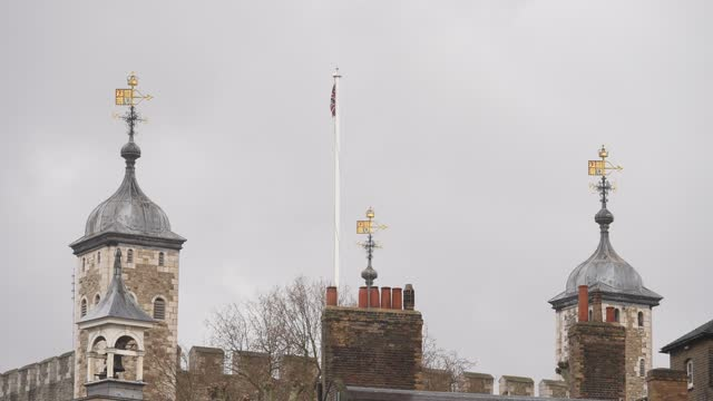 historical castle and london landmark the tower of london on march 25, 2021 in london, england. - unesco world heritage site stock videos & royalty-free footage