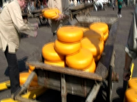 historical cheese market, alkmaar - dutch culture stock videos & royalty-free footage