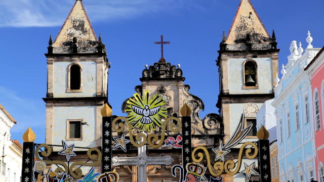 vidéos et rushes de historical church in the center of pelourinho, salvador, brazil, south america - unesco