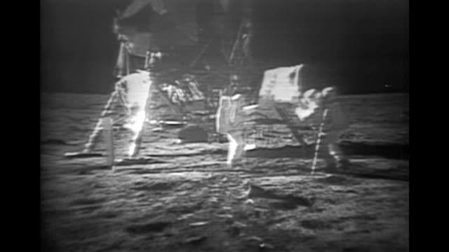 vidéos et rushes de historical footage of the apollo 11 mission to the moon. the original footage was enhanced in 2009. the available audio has been greatly improved by... - lune