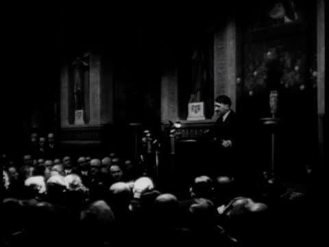 vídeos de stock e filmes b-roll de hitler delivers an anti-semitic address / germany - 1939