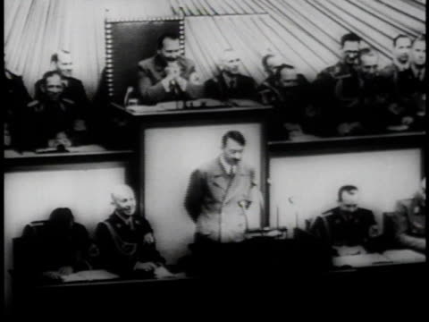 hitler speaking / crowd watching / hitler speaking - 1939 stock-videos und b-roll-filmmaterial