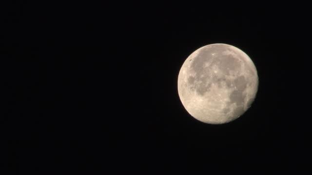 hochkar sonnenaufgang - moon over hochkar 02 - rymd och astronomi bildbanksvideor och videomaterial från bakom kulisserna