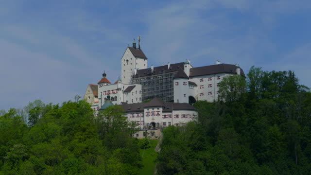 hohenaschau castle, aschau, chiemgau, bavaria, germany, europe - etwa 12. jahrhundert stock-videos und b-roll-filmmaterial