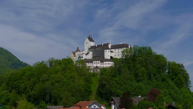 vidéos et rushes de hohenaschau castle, aschau, chiemgau, bavaria, germany, europe - xiième siècle