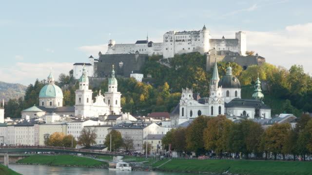 ホーエン ザルツブルクのオーストリア - アッパーオーストリア点の映像素材/bロール