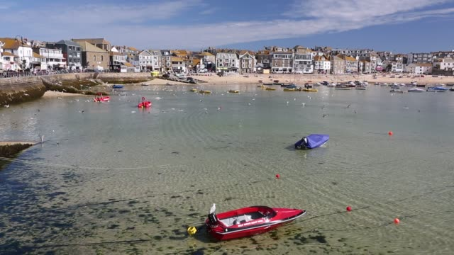 holiday makers in st ives, cornwall, uk. - bright stock videos & royalty-free footage