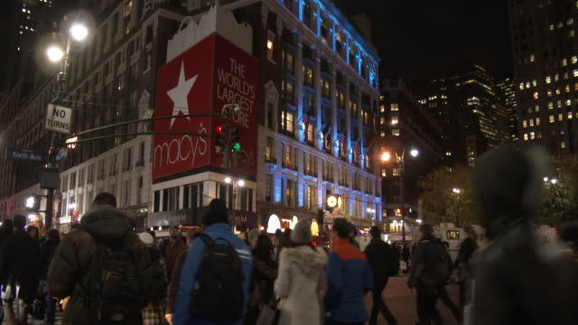 Holiday Shoppers - Herald Square & 34th Street NYC