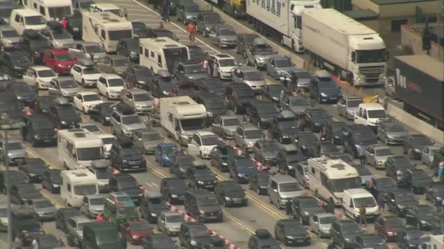 Holidaymakers caught in traffic for up to 8 hours at Dover ENGLAND Kent Dover traffic leading up to Channel Tunnel near White Cliffs of Dover and...