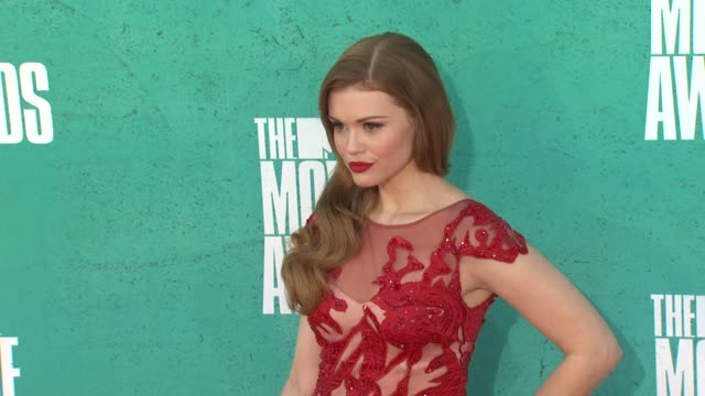 holland roden at 2012 mtv movie awards - arrivals at gibson amphitheatre on june 03, 2012 in universal city, california - gibson amphitheatre stock-videos und b-roll-filmmaterial