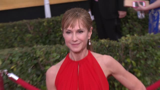 vidéos et rushes de holly hunter at 20th annual screen actors guild awards arrivals at the shrine auditorium on in los angeles california - holly hunter