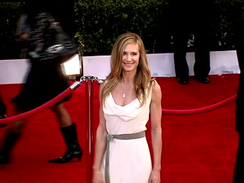 vidéos et rushes de holly hunter at the 14th annual screen actors guild awards at los angeles ca - holly hunter