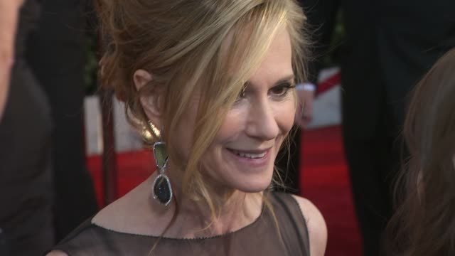 vidéos et rushes de holly hunter at the 16th annual screen actors guild awards arrivals at los angeles ca - holly hunter