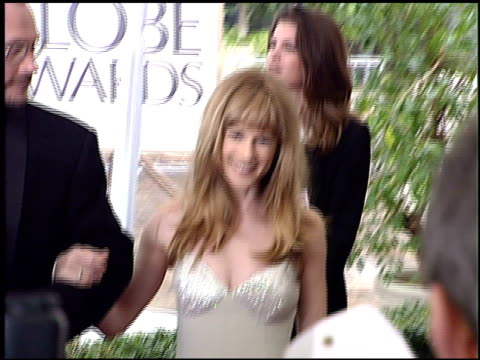 vidéos et rushes de holly hunter at the 1996 golden globe awards at the beverly hilton in beverly hills california on january 21 1996 - holly hunter
