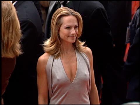 vidéos et rushes de holly hunter at the 2001 golden globe awards at the beverly hilton in beverly hills california on january 21 2001 - holly hunter
