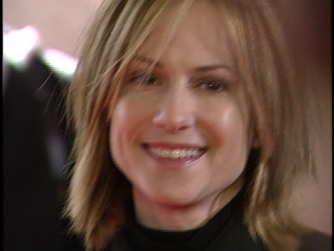 vidéos et rushes de holly hunter at the bfca critics choice awards at beverly hills hotel - holly hunter