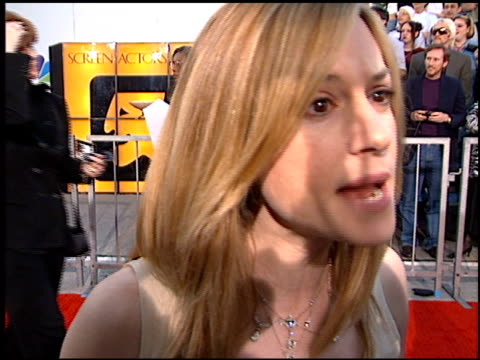 vidéos et rushes de holly hunter at the screen actor's guild awards at the shrine auditorium in los angeles california on february 22 1997 - holly hunter