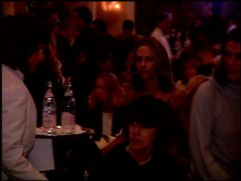 vidéos et rushes de holly hunter at the women in hollywood luncheon at the four seasons hotel in beverly hills california on october 11 2000 - holly hunter