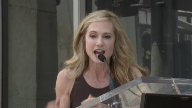 vidéos et rushes de holly hunter on her acting mentors at the dedication of holly hunter's star at the hollywood walk of fame in hollywood california on may 30 2008 - holly hunter