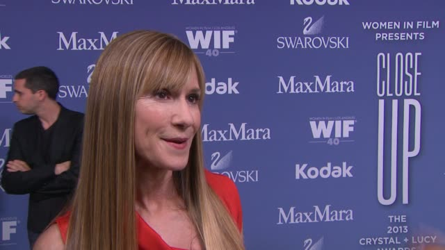 stockvideo's en b-roll-footage met interview holly hunter on why she wanted to support wif what being a past honoree meant to her career her advice for women trying to break into the... - beverly hilton hotel