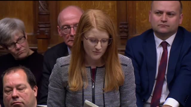 holly lynch, the labour mp for halifax, asks the prime minister to commit to publishing the oakervee report into the hs2 rail project during... - domande al primo ministro video stock e b–roll