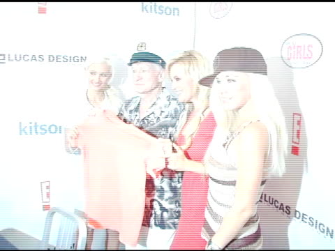 holly madison hugh hefner bridget marquardt and kendra wilkinson at the girls next door by holly madison jewelry collection unveiling on july 29 2006 - hugh hefner stock-videos und b-roll-filmmaterial