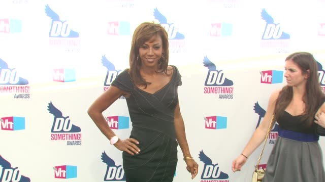 holly robinson peete at the 2010 vh1 do something awards at hollywood ca. - do something organization stock videos & royalty-free footage