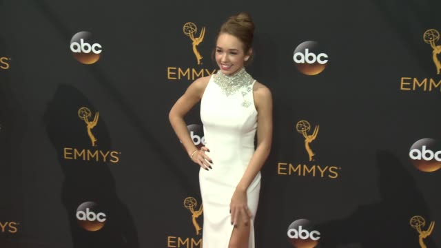 vidéos et rushes de holly taylor at 68th annual primetime emmy awards - arrivals in los angeles, ca 9/18/16 - annual primetime emmy awards